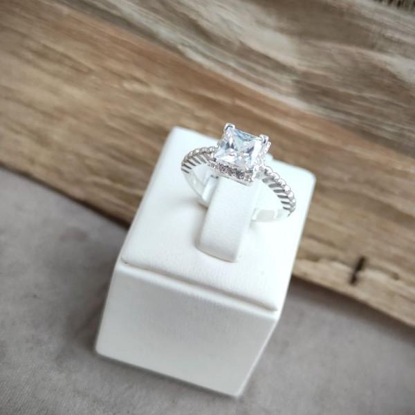 Prsten P1050.8
