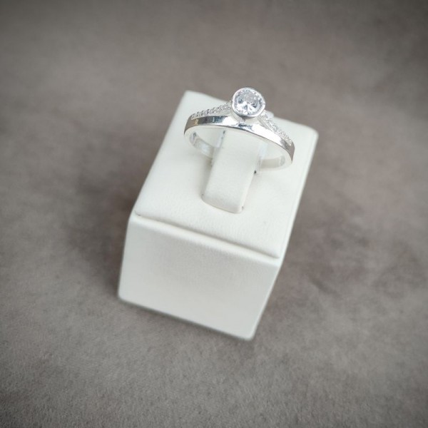 Prsten P950.8